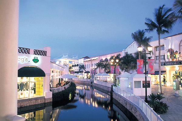 la_isla_shopping_village