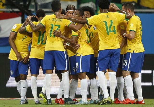brazil_peru_wcup_socc_amar_6