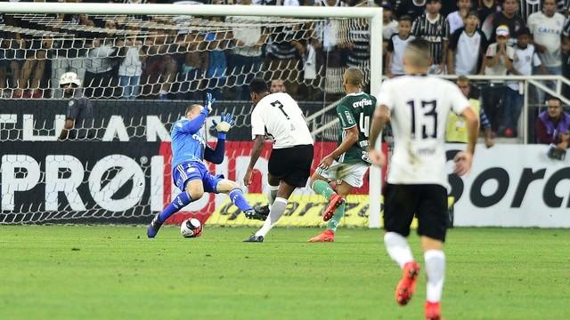 Corinthians impressiona; Palmeiras decepciona