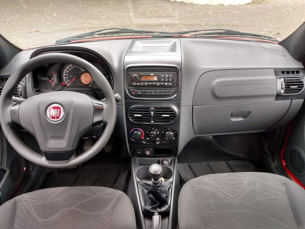 Interior do Fiat Strada