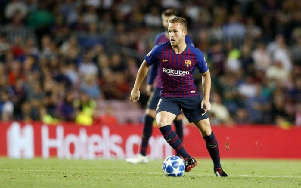 Arthur em ação pelo Barcelona