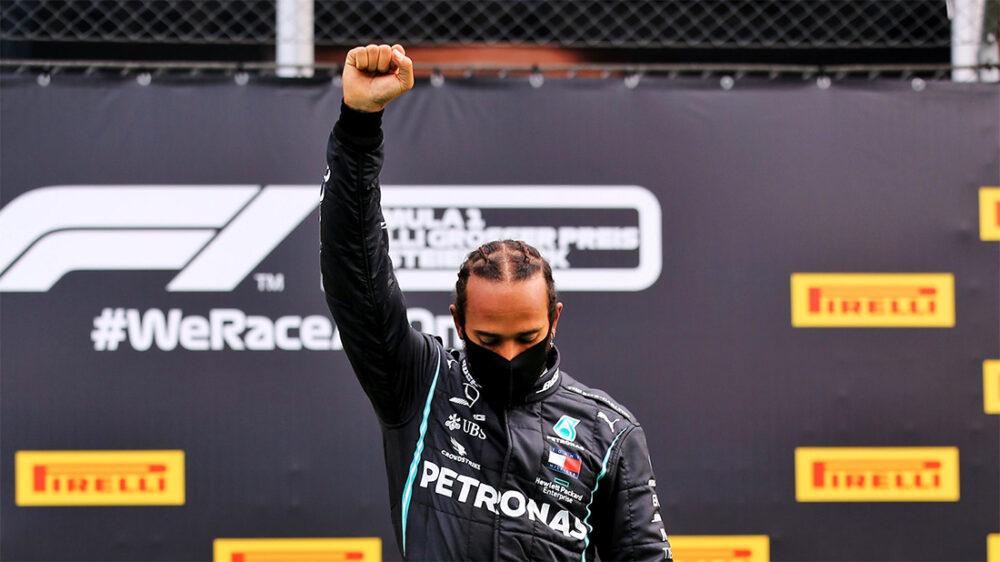 Lewis Hamilton no pódio do GP da Estíria de F1