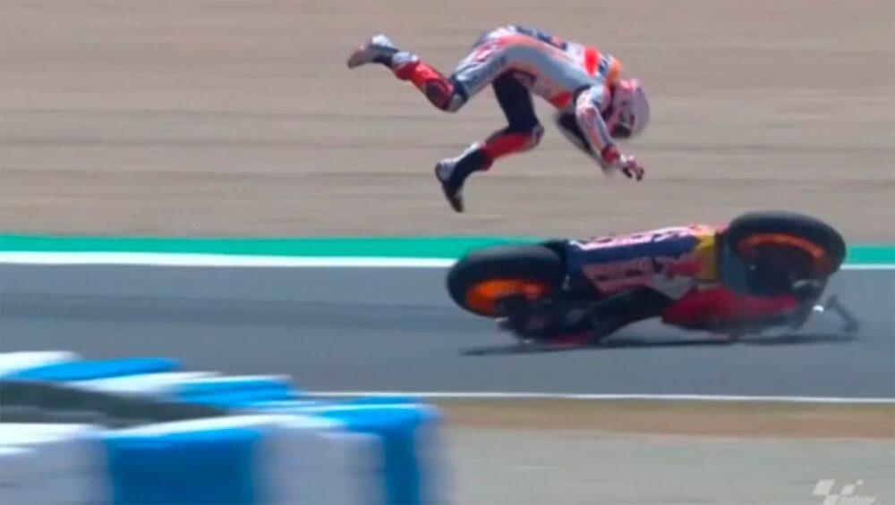 Marc Marquez caindo no GP da Espanha do MotoGP
