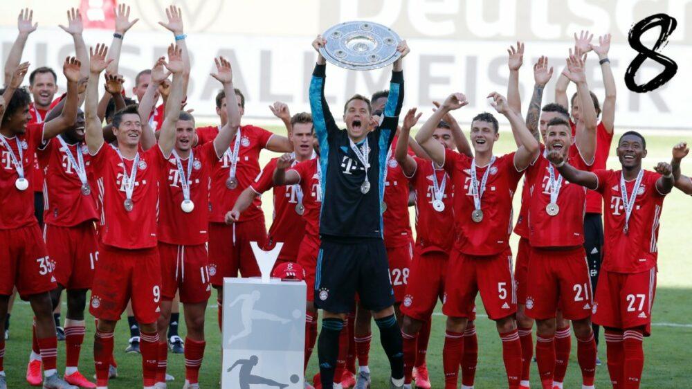 Elenco do Bayern comemora o octacampeonato alemão