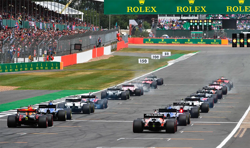Carros de F1 na largada