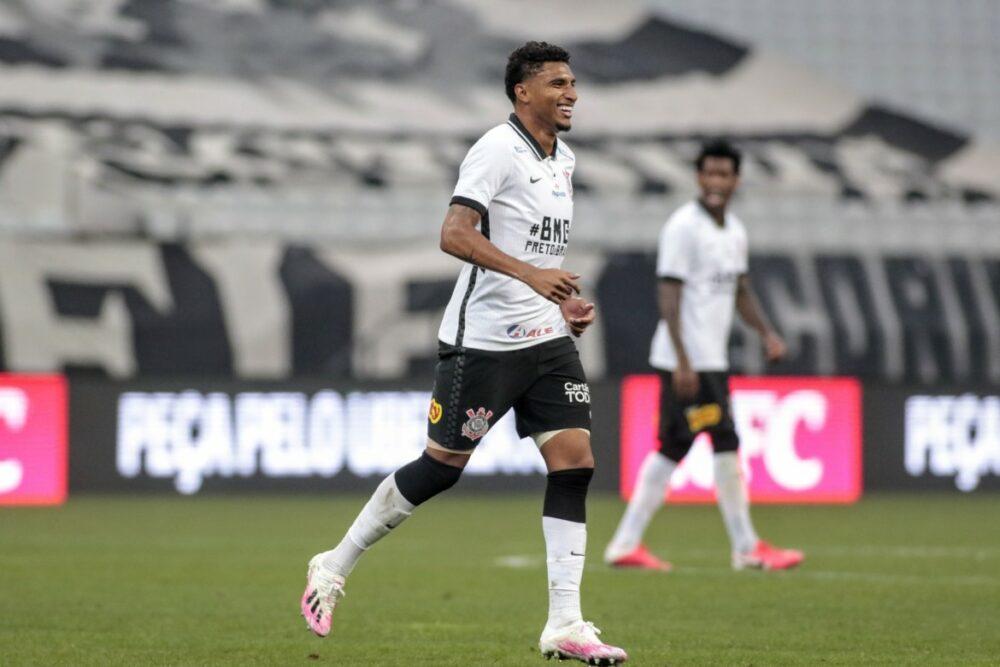 (Em dois jogos com titular do Corinthians, o volante Éderson já marcou dois gols)