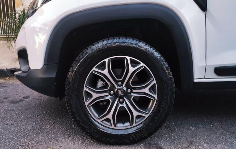 Rodas e pneus da Fiat Strada Volcano