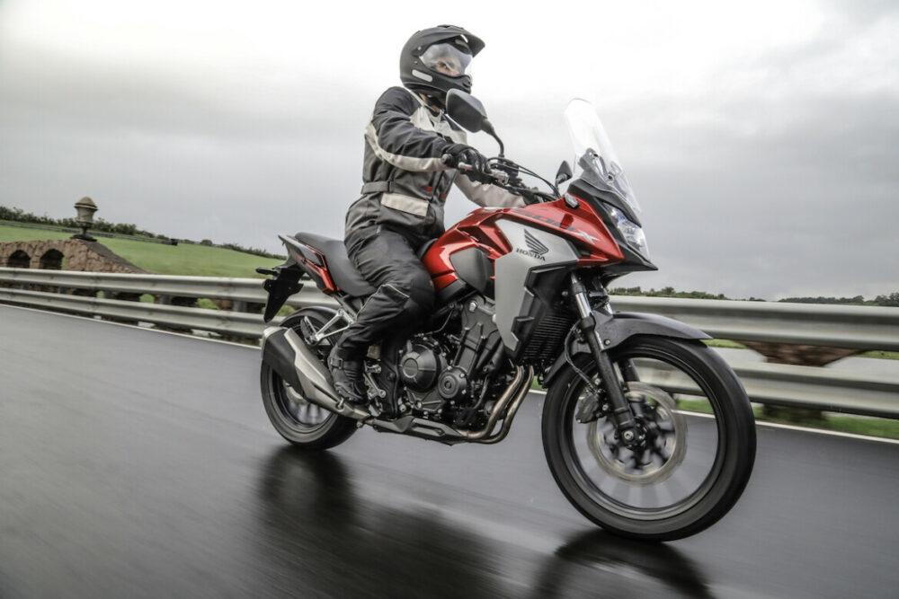 Honda CB 500X na estrada