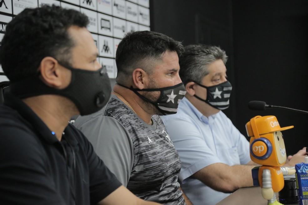 Barroca assumiu o Botafogo há poucos dias