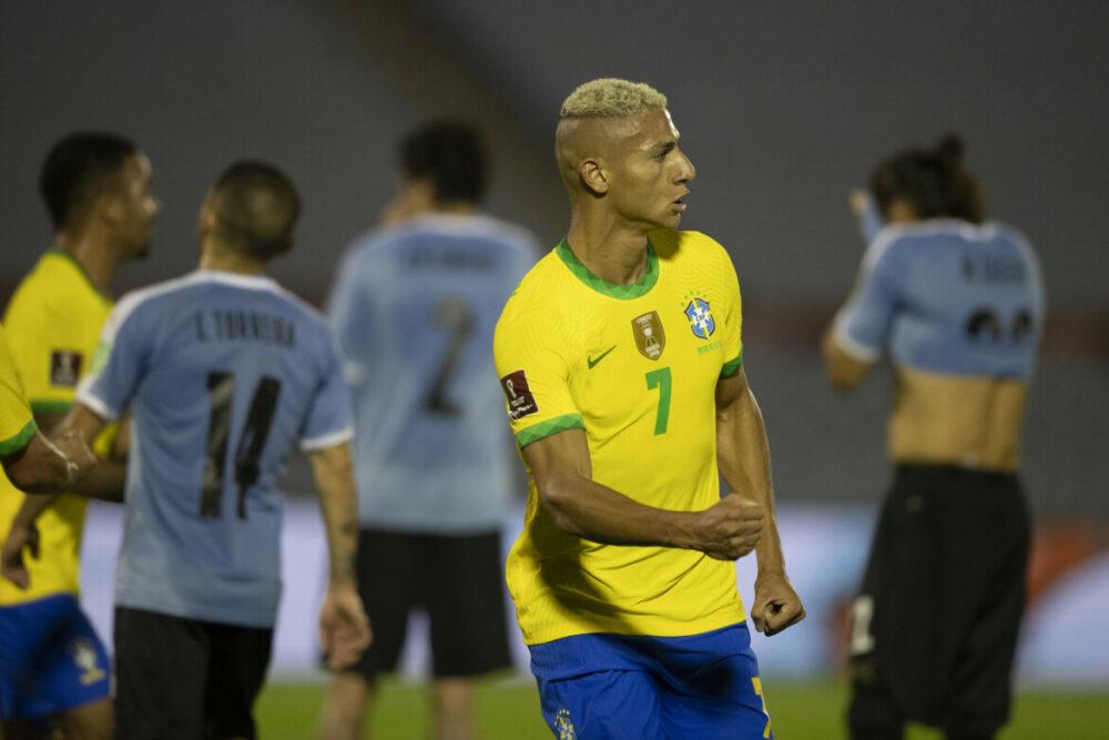 Richarlison marcou o segundo gol do Brasil