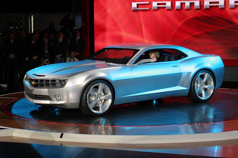 Camaro Concept apresentado em 2006 no Salão de Detroit