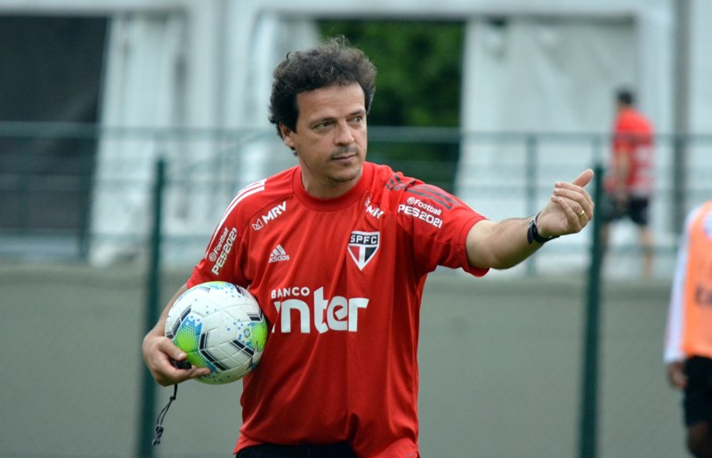 Diniz encontrou o padrão de jogo ideal do São Paulo