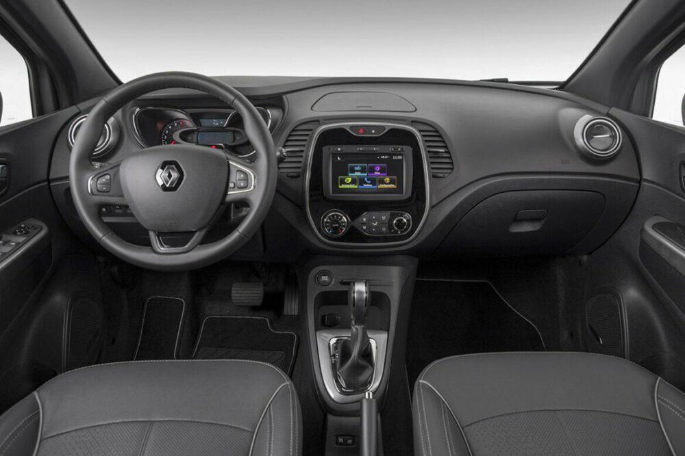 Interior do Renault Captur Bose