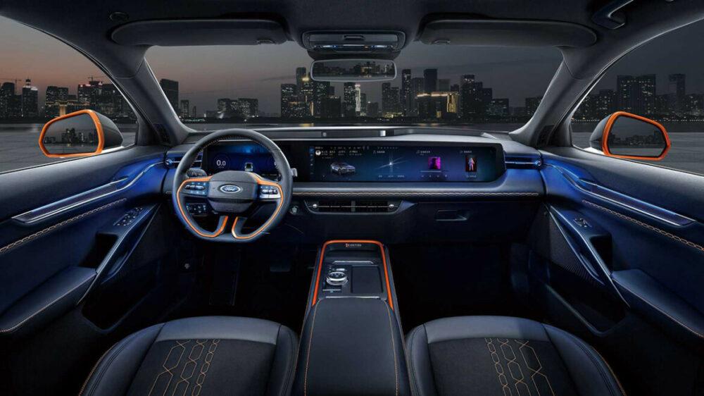 Interior do Ford Evos