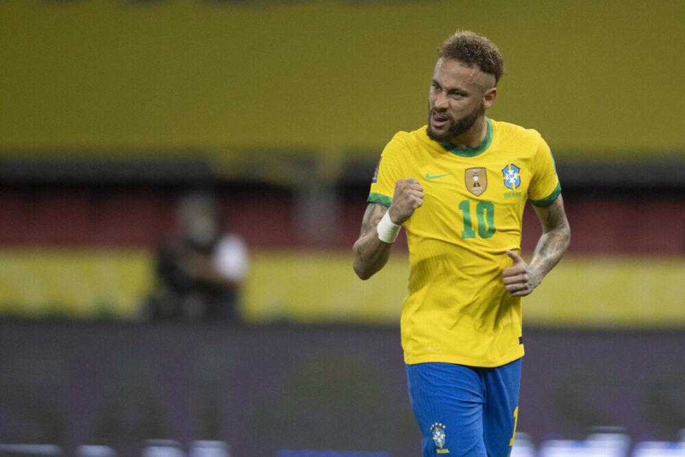 Neymar marcou o segundo para o Brasil, de penalti