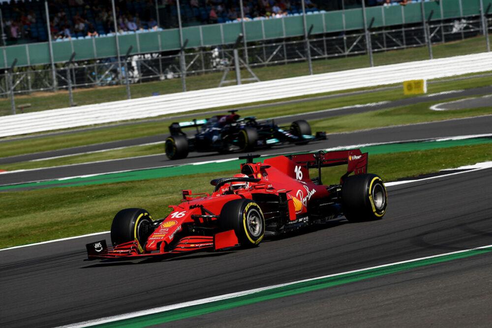 Leclerc liderou a prova por 49 de 52 voltas