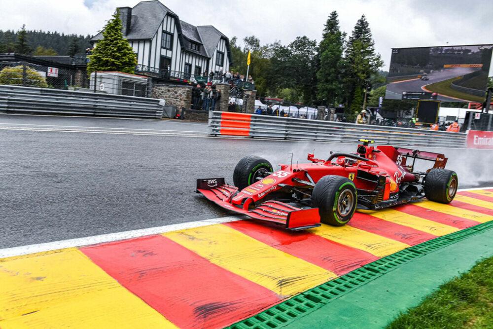 Ferrari de Sainz e Leclerc foram eliminadas no Q2