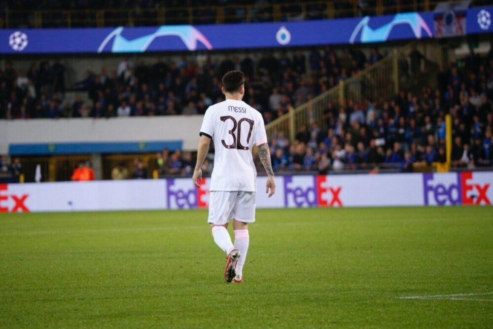 Messi parou no travessão